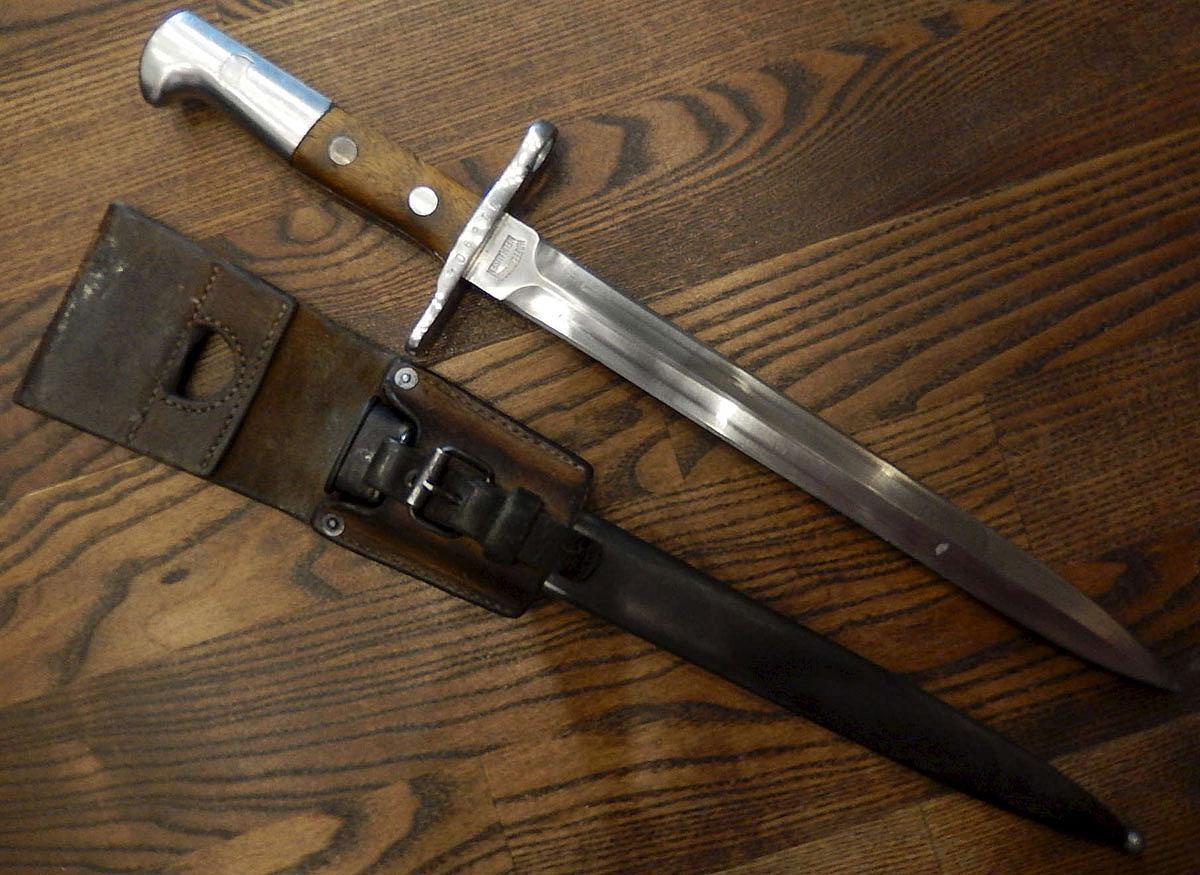 Швейцарский штык нож