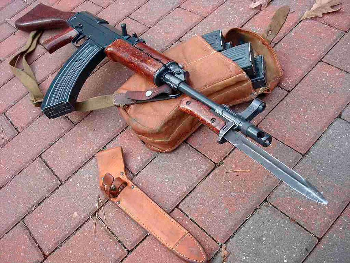 Советский штык нож